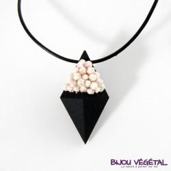 Collier diamant noir avec lichen vert