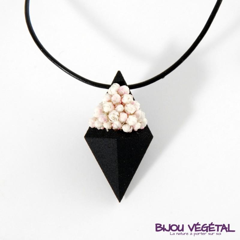 collier pendentif noir diamant avec du lichen. Black Bedroom Furniture Sets. Home Design Ideas