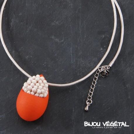 collier goutte mandarine avec petites fleurs blanches bijou v g tal. Black Bedroom Furniture Sets. Home Design Ideas