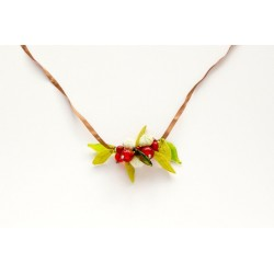 Collier ruban lilas force baies rouges