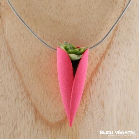 Collier Tulipe Fuchsia avec plante