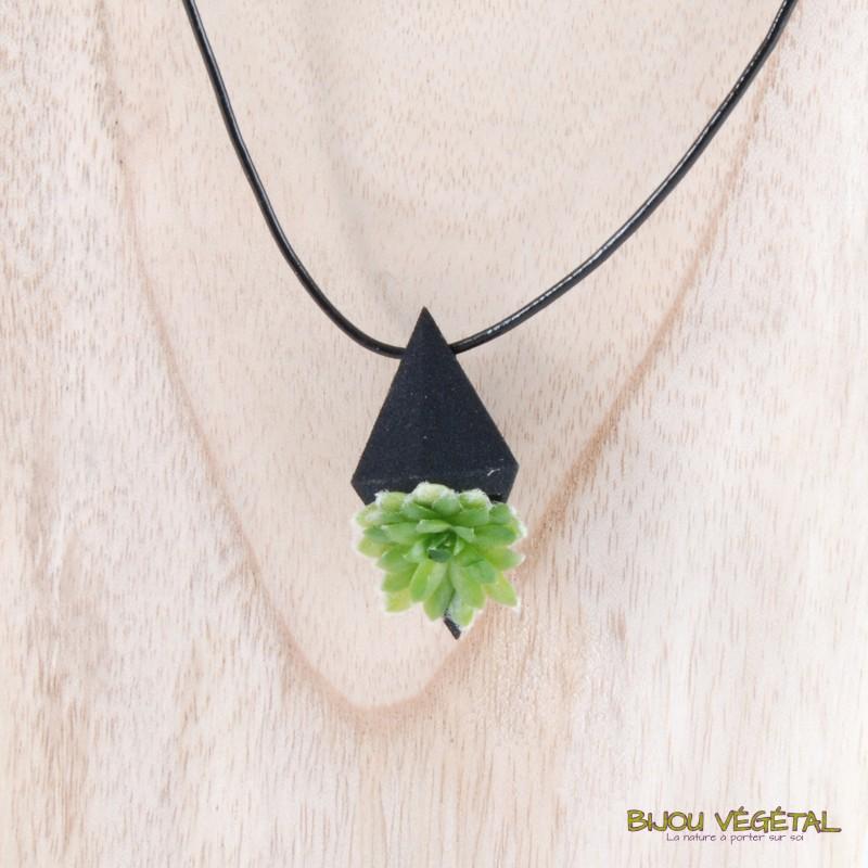collier pendentif noir avec un vrai v g tal vivant. Black Bedroom Furniture Sets. Home Design Ideas