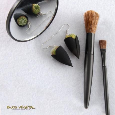 Boucles d'oreille Tulipe Noire avec végétal