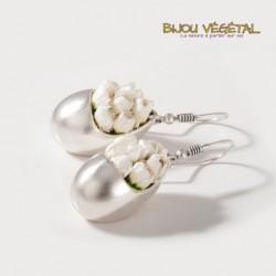 Boucles d'oreille Goutte argent avec petites fleurs blanches