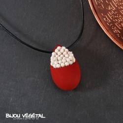 Collier goutte rouge avec lichen